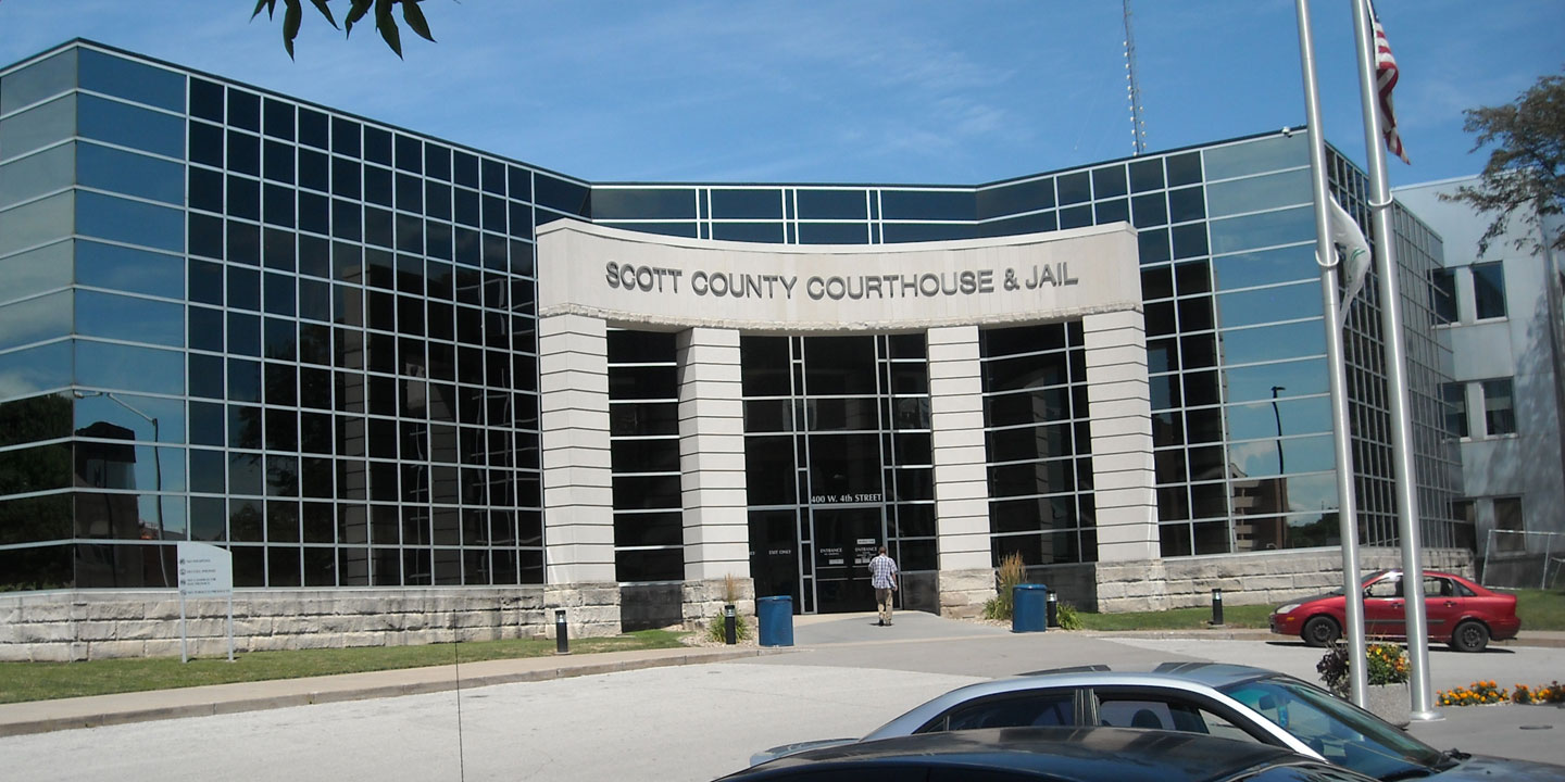 Scott County Courthouse entrance